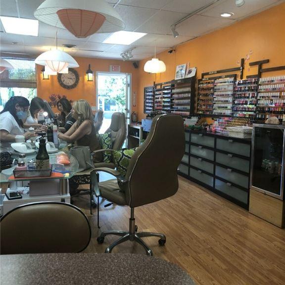 Small, very profitable nail salon